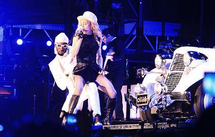 Madonna y el coche blanco