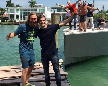 Dos DJ's destrozan el embarcadero de David Guetta