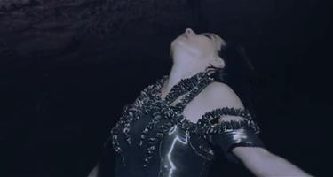 Björk se ahoga en un océano de lágrimas en la devastadora 'Black Lake'