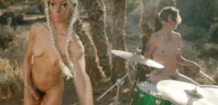 peaches-desnudo