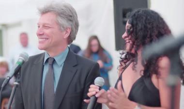 Jon Bon Jovi, obligado a cantar 'Livin' on a Prayer' en una boda tras negarse