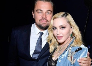 Madonna interpreta 5 temas en una gala benéfica de Leonardo DiCaprio
