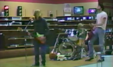 """El alucinante vídeo casero de unos Nirvana pre-Nirvana tocando en unos """"decomisos"""""""