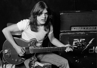malcolm-young-acdc_.jpg