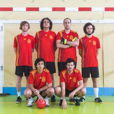 Taburete Estrenan Himno Futbolero Desde Rusia Con Amor Y Opinan