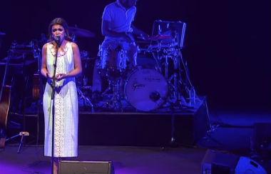 Amaia Romero versiona a Antònia Font, Lana del Rey, Maluma, Jeanette, Nancy Sinatra… en el Teatro Real