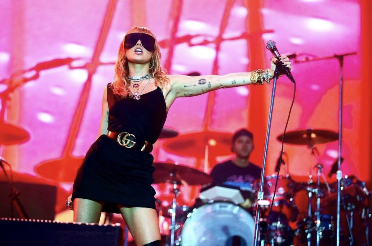 Miley Cyrus tiene Nuevo material que compartir